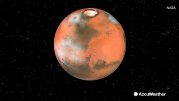 Cotton candy-like clouds on Mars may be formed by meteor 'smoke'
