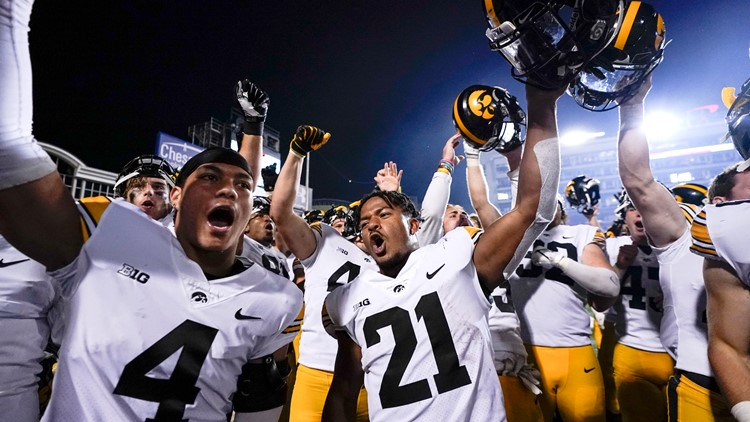 AP Top 25: Iowa up to No. 3; Clemson out of Top 25 first time since '14