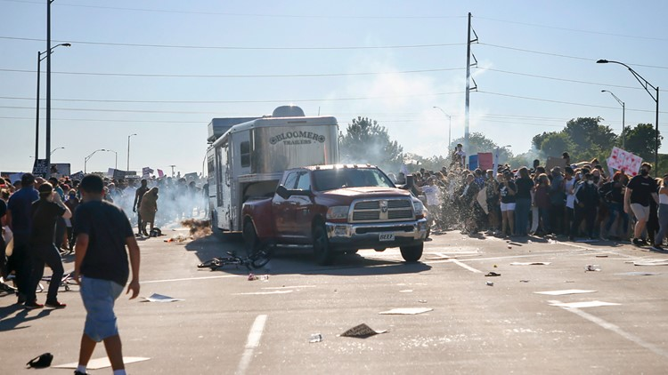 Oklahoma passes law exonerating drivers who kill or injure rioters while fleeing scene