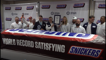 'Everything is bigger in Texas'   World's largest SNICKERS bar unveiled in Waco