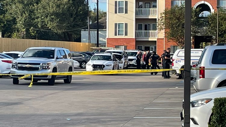 Sheriff: 3 children found abandoned, along with skeletal remains, in Texas apartment