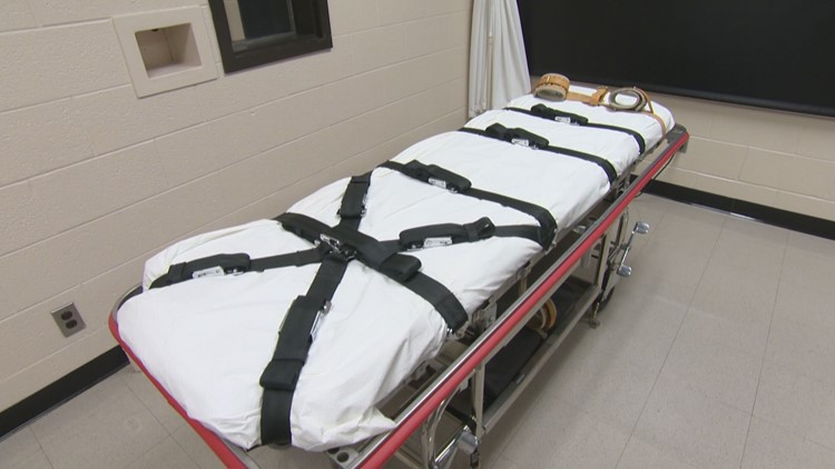 Tennessee Supreme Court considers lethal injection challenge 8 days before execution
