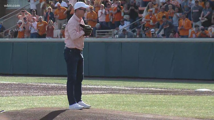 Watch Peyton Manning put some heat on the ceremonial first pitch at UT's baseball game