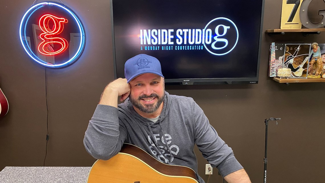 Garth Brooks is holding an acoustic concert on Facebook next week, and he's taking requests