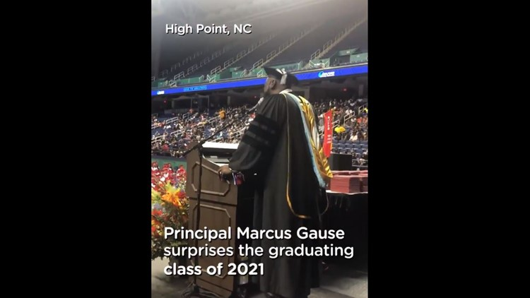 Principal serenades Class of 2021 singing, 'I Will Always Love You'