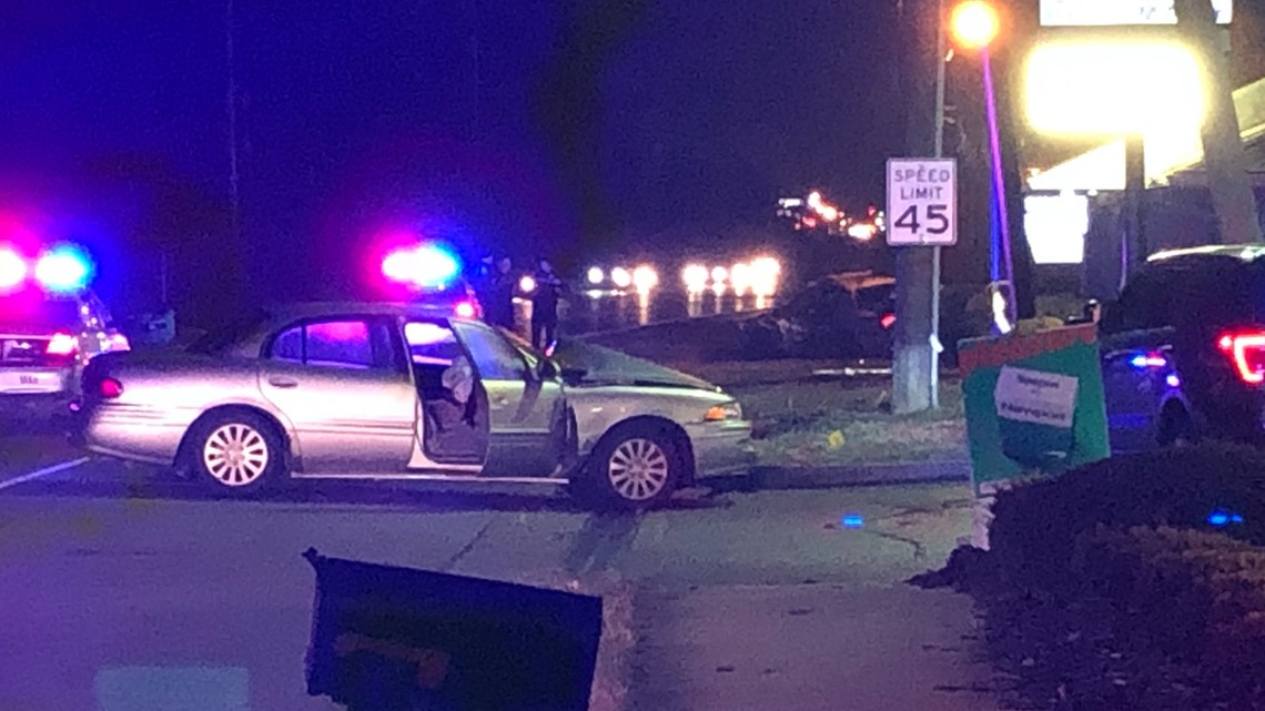 LMPD officer injured in crash on Dixie Highway
