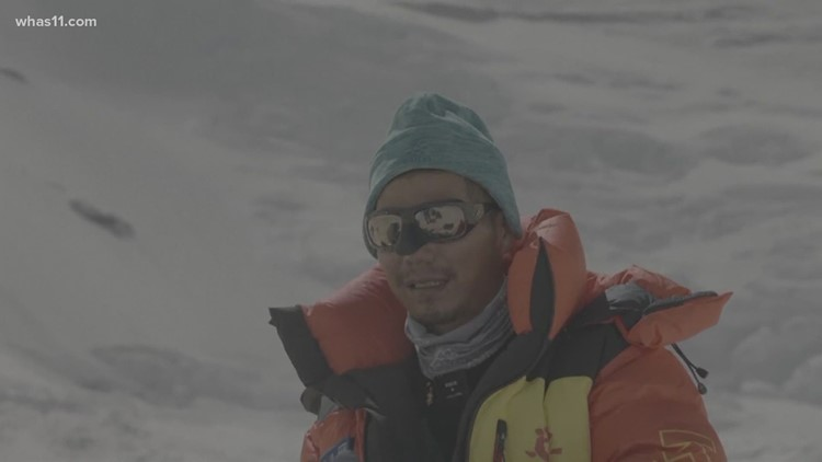 Chinese climber becomes 1st blind Asian to scale Mount Everest