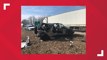 Two injured in southern Indiana crash on I-65