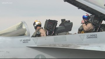 Air pilots practice for Thunder Over Louisville