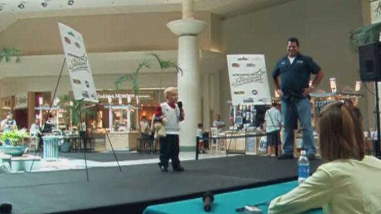 Elijah Kelso singing at the age of 4