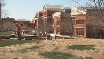 Western Kentucky University closing dorm to remove mold