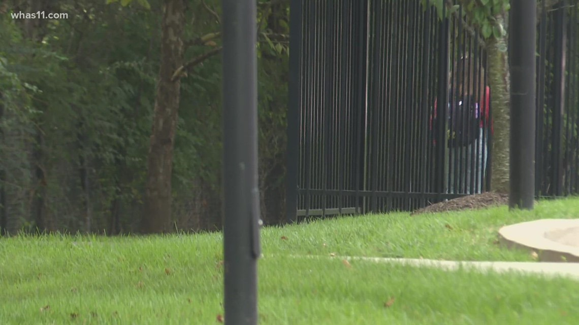 Woman assaulted in off-campus crime; UofL police, LMPD remind students to stay alert
