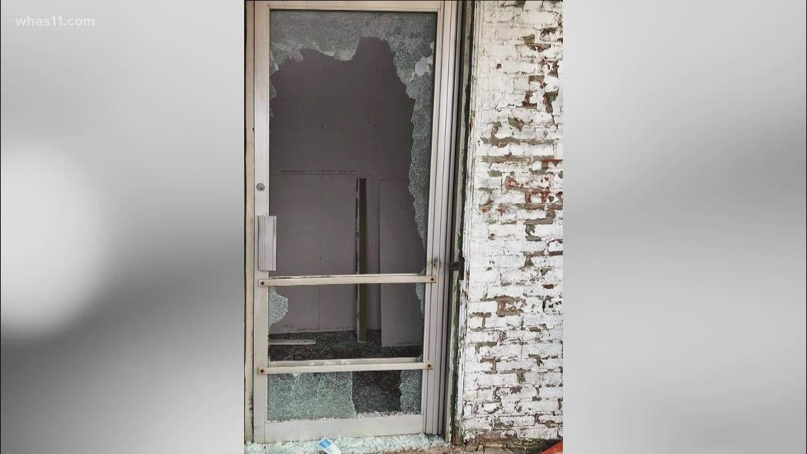 'Let's go get a broom': Kentucky restaurant burglarized for 3rd time, owner plans to stay