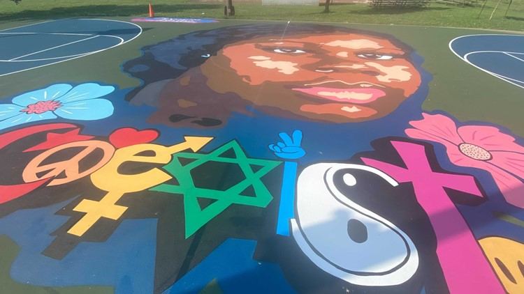 'Her case and her story should not be left and not be unheard': Breonna Taylor mural unveiled
