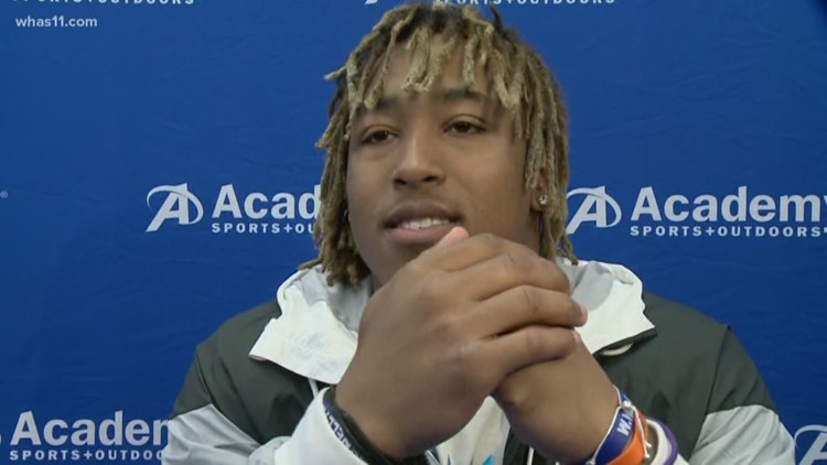 Kentucky fans show love, appreciation for star Benny Snell during autograph signing