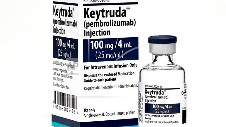 En el estudio, el medicamento Keytruda de Merck, que se da con quimioterapia estándar, redujo a la mitad el riesgo de morir o de que el cáncer empeorara, comparado solo con la quimio después de un año.