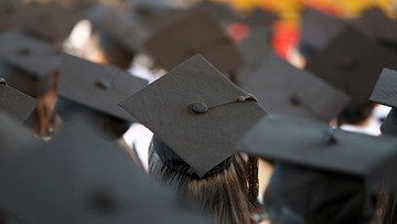 Report: Indiana's college graduation rates are on the rise