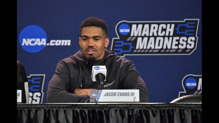 d4a5fb4f8dc Warriors draft pick Jacob Evans III signs contract