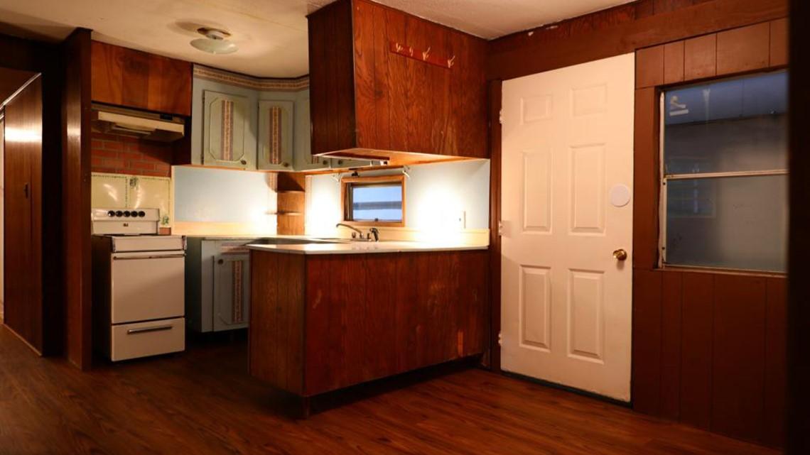 Photos Elvis Presley S Mobile Home Up For Auction Whas11 Com
