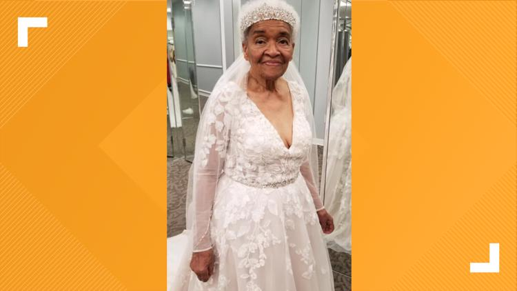 PHOTOS | Great-Grandmother puts on wedding dress decades after marrying