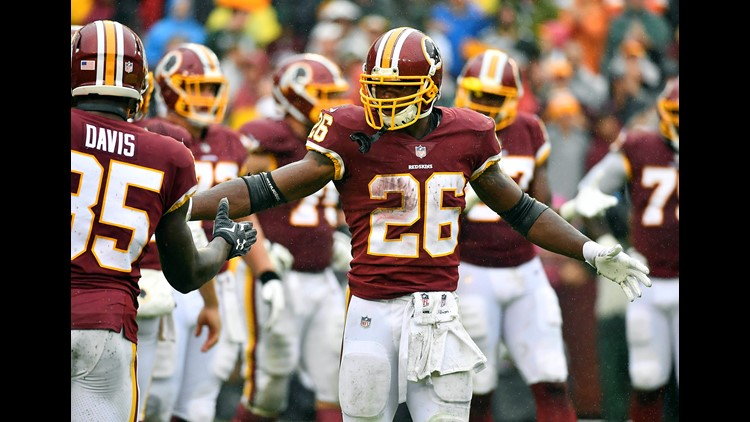 d1cc90d3d58 Peterson runs for 120 yards, 2 TDs, Skins top Packers 31-17 | whas11.com