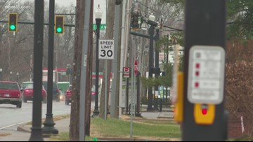 Parents concerned with lack of crossing guard in Clarksville