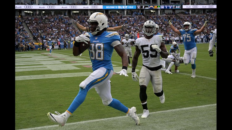 39dfbf7e Rivers throws for 339 yards, 2 TDs as Chargers beat Raiders | whas11.com