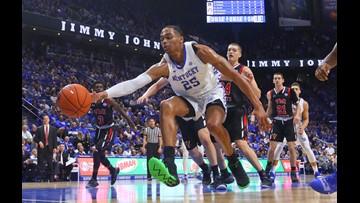 No. 10 Kentucky survives persistent VMI 92-82