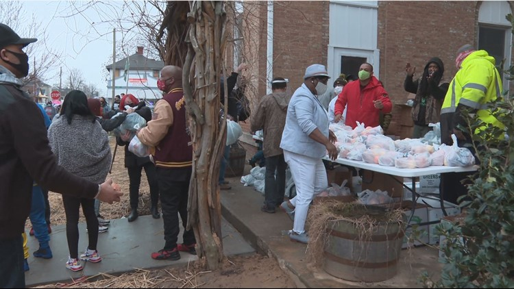 Family of Breonna Taylor holds community food drive in her memory