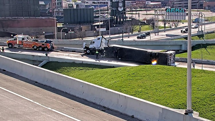 Kennedy Bridge back open after semi rollover shut down ramp to I-65 South