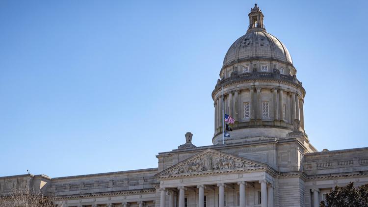 Kentucky Senate backs COVID liability shield for businesses
