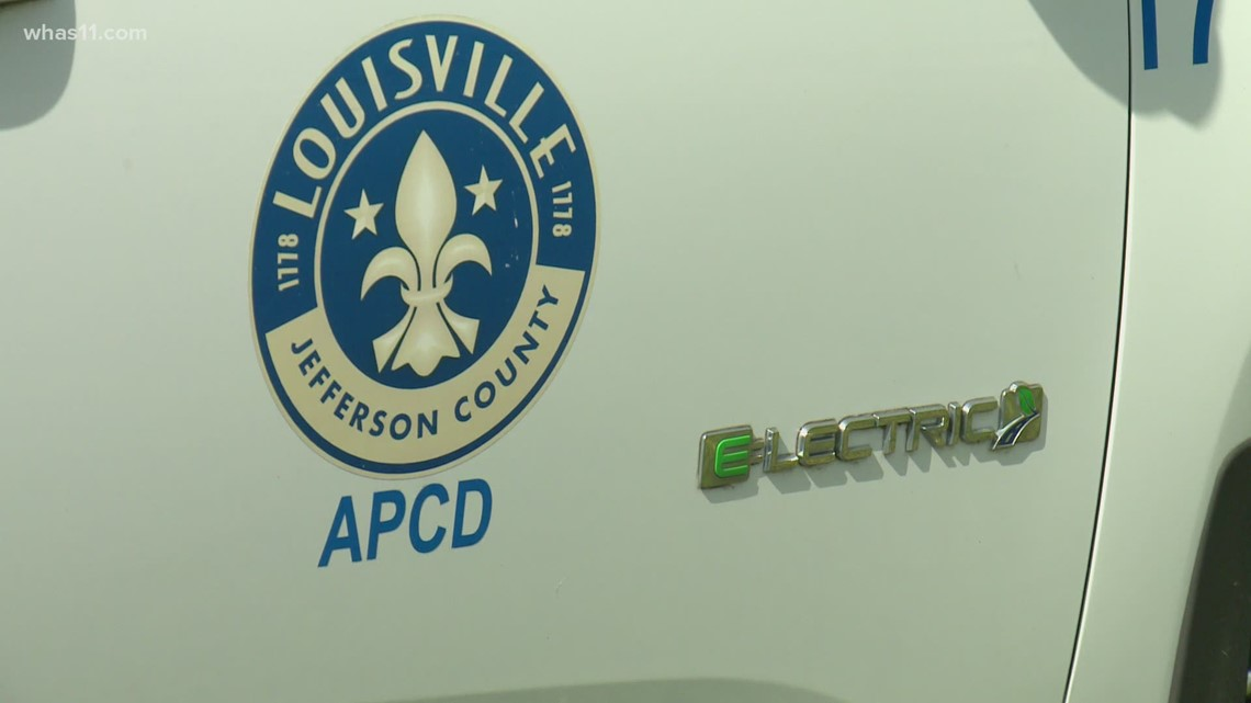 Louisville Mayor signs executive order prioritizing use of electric cars for city departments