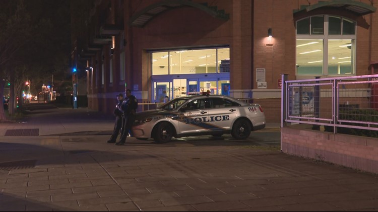 Security guard shoots accused shoplifter at Louisville Walgreens