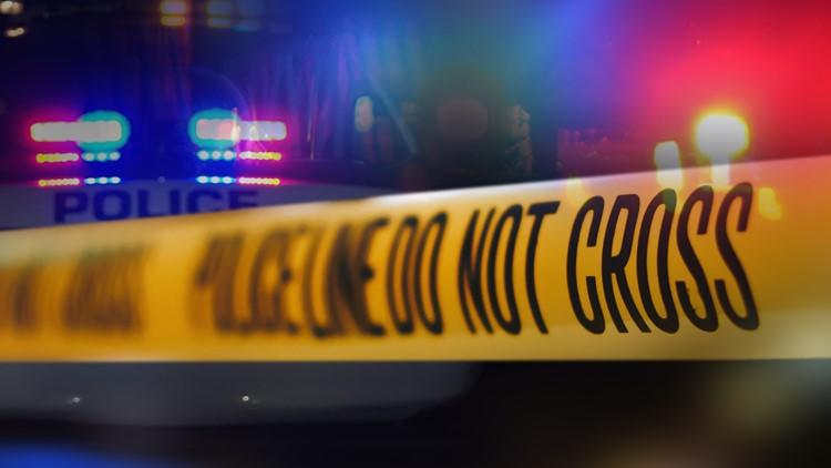 LMPD investigating fatal crash on Shelbyville Road