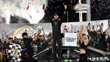 Kurt Busch outduels little brother to win at Kentucky Speedway