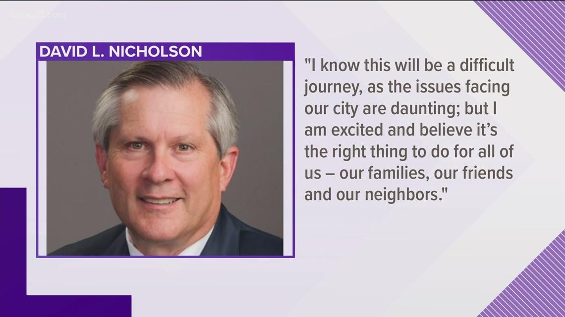 Jefferson County's circuit court clerk joins race for Louisville mayor