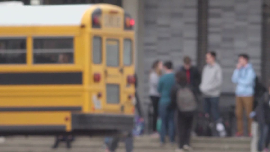 Kentucky lawmakers, teacher union reps react to approved JCPS reopening plan