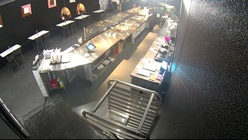 Security footage of ice cream shop counterfeit scam