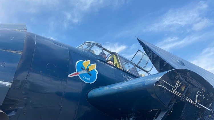 Two WWII veterans get a ride in historic TBM Avenger ahead of Thunder air show
