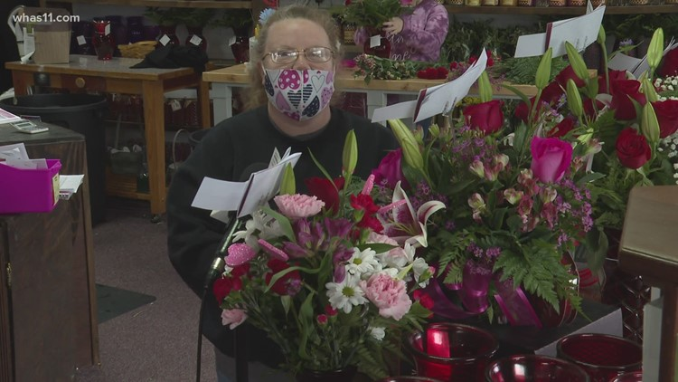 Elizabethtown business owners brave icy conditions  to share the love ahead of Valentine's Day