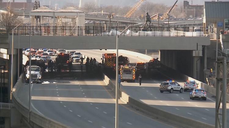 Louisville officer dies in Christmas Eve crash