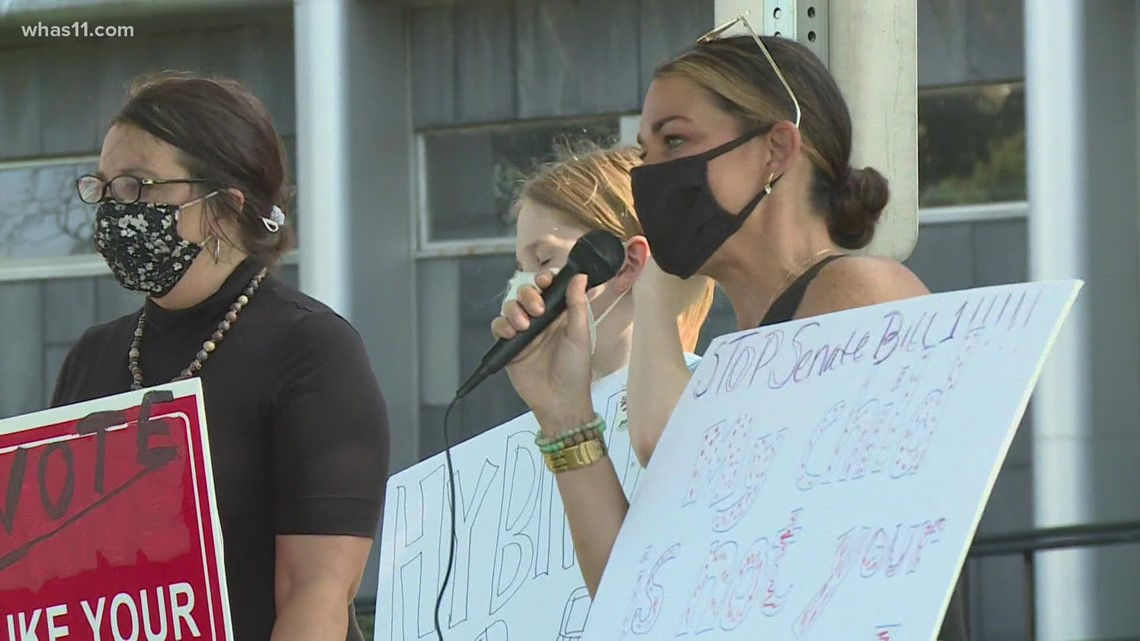 JCPS parents protest over Kentucky education bill