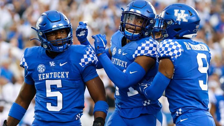 PHOTOS | SEC showdown: Kentucky rallies past Florida 20-13 at Kroger Field