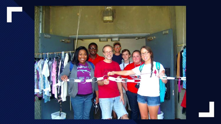Students open UofL free store 2013
