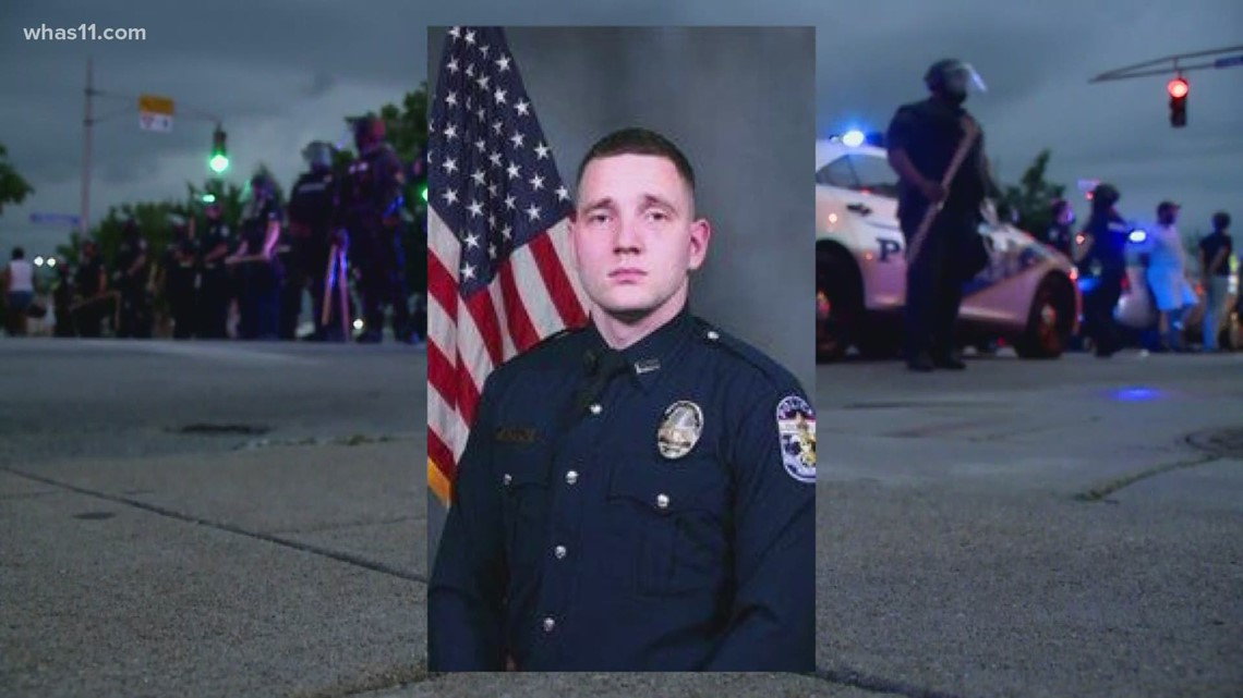 LMPD to fire officer facing federal charges