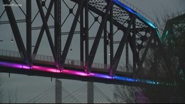 Lightning strike breaks the Big Four Bridge