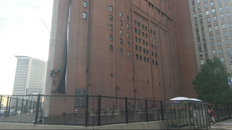 WATCH | LeBron James banner removal completed in Cleveland