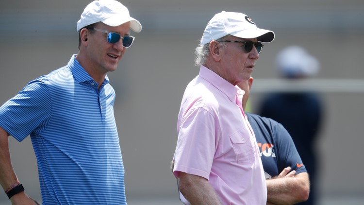 'Just a no-brainer': Peyton Manning picks dad Archie to present him in Canton
