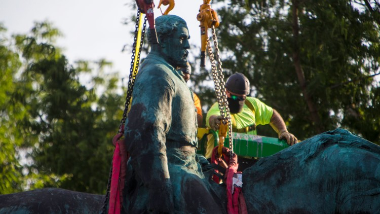 'An incredible day' as Lee statue removed in Charlottesville
